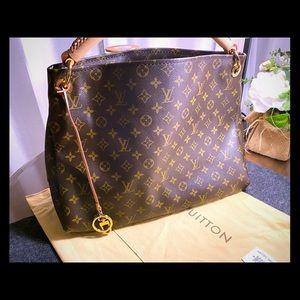 Authentic New Louis Vuitton Monogram  Shoulder Bag
